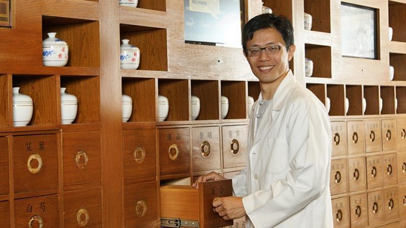 中醫師爸爸賴韋圳:我不是豬隊友,是晚了兩年才醒過來
