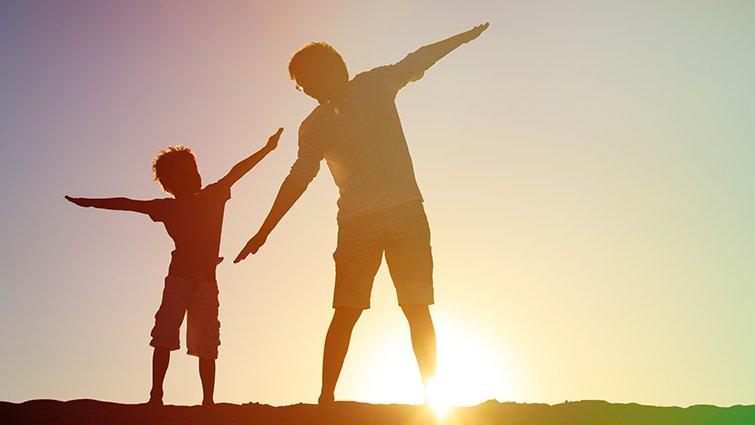 讓溫暖的陽光守護家人彼此的生命──藍莓媽媽讀《象爸的背影》