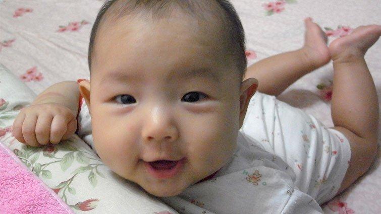 新鮮事/對寶寶說話有益發展