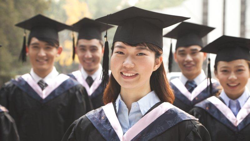 提爾基金會計畫總監艾莉森.戴斯 :若你以為大學文憑能保障成功,會很危險