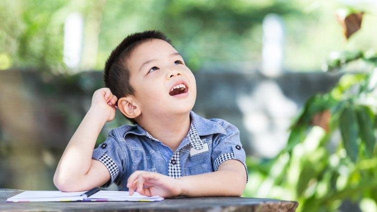 孩子總是3分鐘熱度,為何孩子不能專心玩很久?