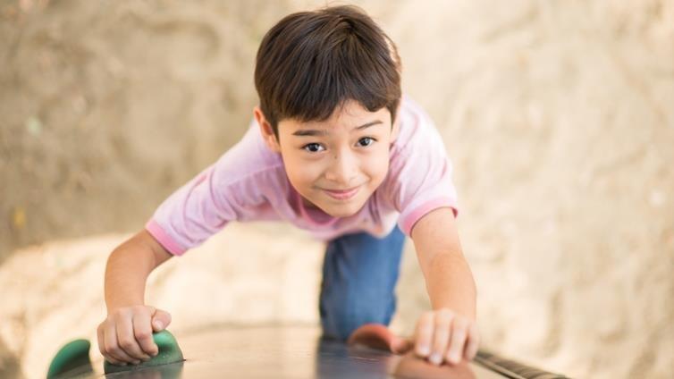 教出有韌性的孩子,父母做了這8件事