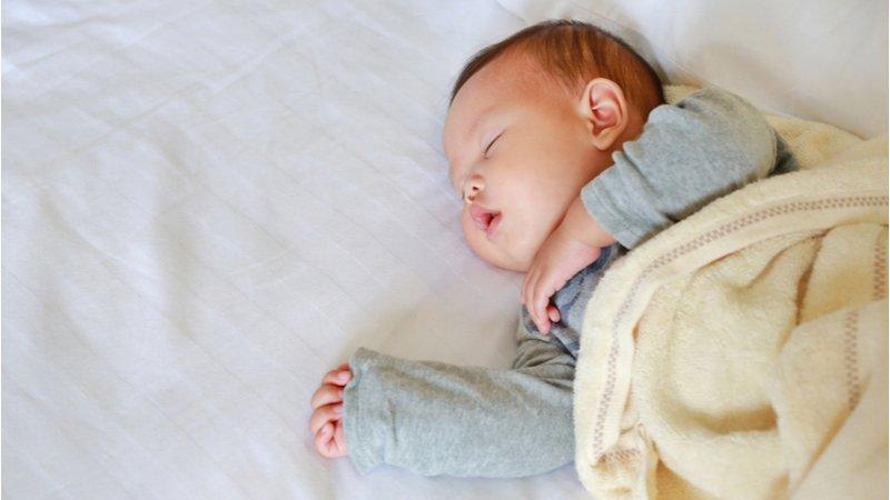 消保處抽查嬰兒枕,逾半有缺失 國健署籲一歲以下勿用枕頭