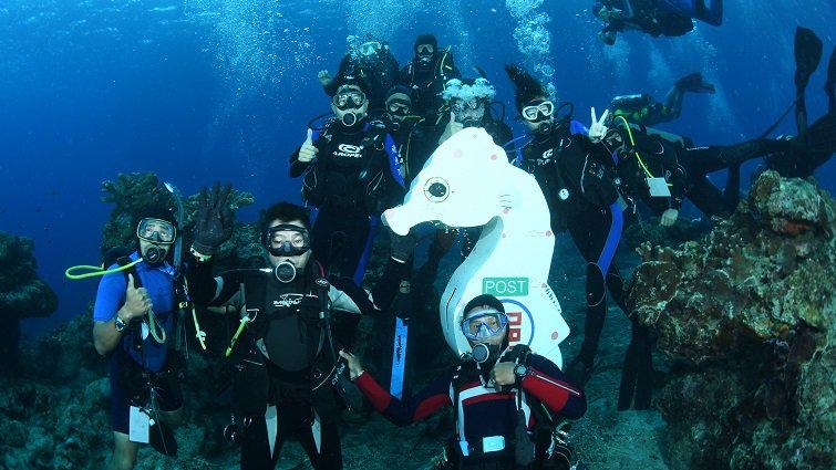 暑假衝一波,台灣10大跳島小旅行:台東綠島篇--海底郵筒寄明信片