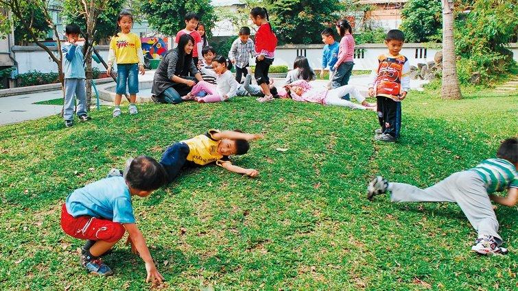 李坤珊:給孩子自己玩的機會