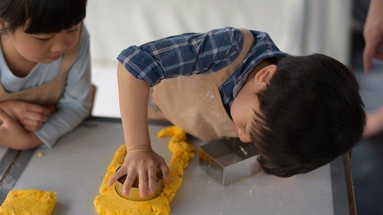 在廚房,孩子的學習自然發生