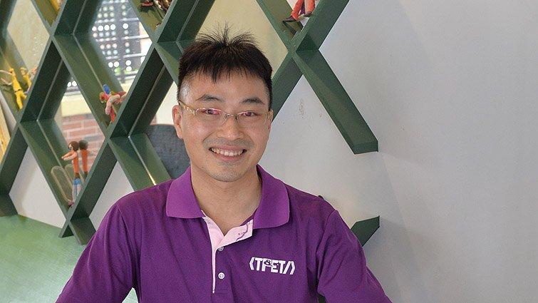 台北富安國小自然老師高德祥:用科技每天多做0.1,累積孩子的實力