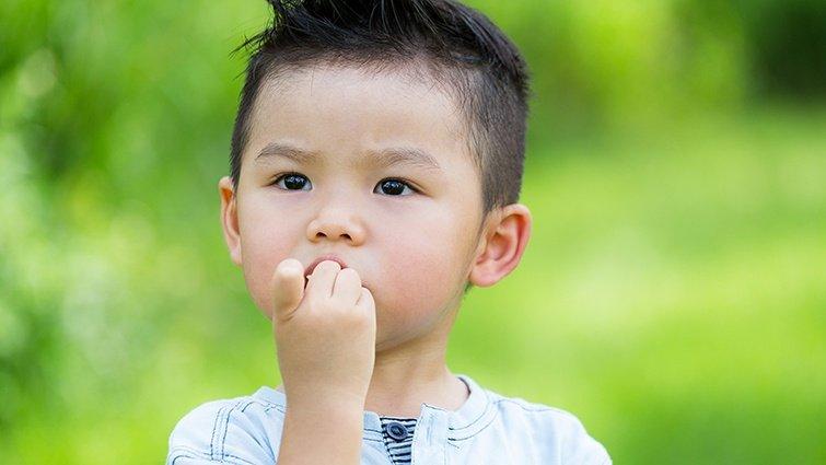 黃彥鈞:為什麼孩子看到什麼都想摸摸看,喜歡咬指甲,爸媽該怎麼辦?