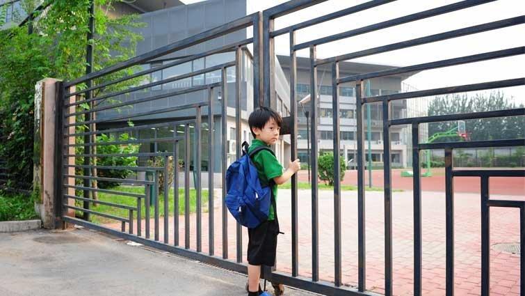 楊茂秀:上學不等於受教育