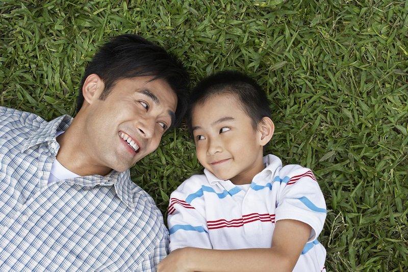 「父親」對育兒的重要性:科學證實的觀點