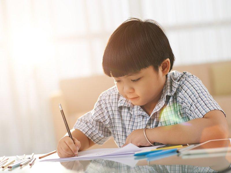 【讀者投稿】家長要不要盯孩子寫功課?