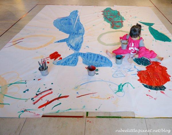 [親子餐廳。基隆] Artr 八斗子。海科館彩繪餐廳 ● 讓孩子盡情塗鴉的超大畫布