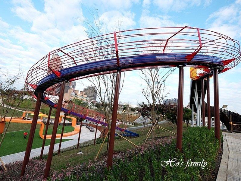 【桃園景點】風禾公園:北台灣最長滾輪溜滑梯!沙坑、磨石溜滑梯
