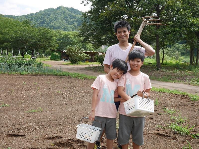 宮本家一日農夫,坐牛耕車遊園,自己採蔬菜做咖哩飯,農村體驗激推