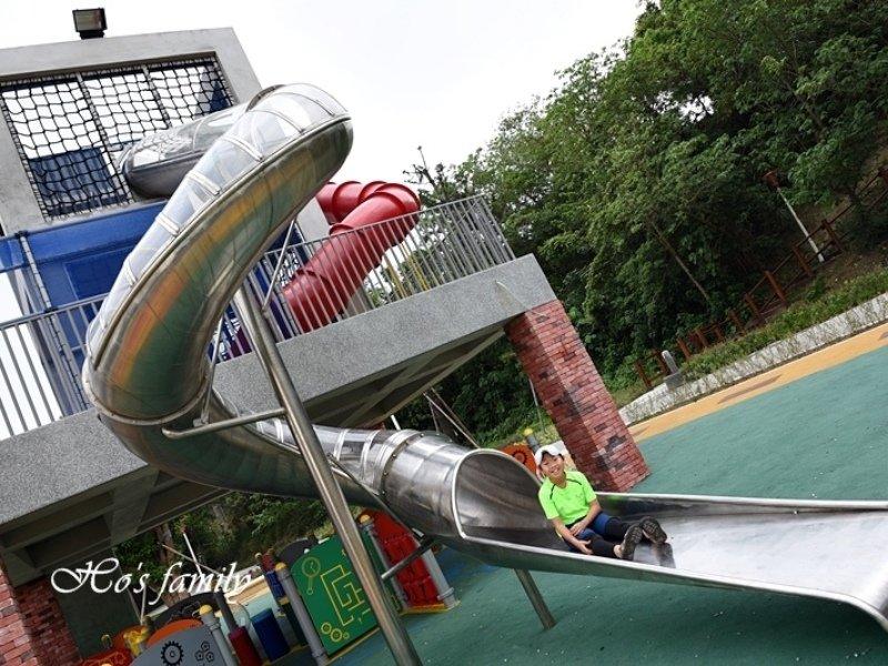 【新北景點】古鐘樓公園(公二公園):鐘樓遊戲場新亮點!