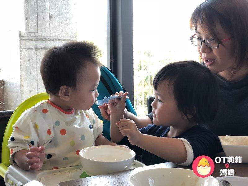 四大秘訣讓寶寶好好吃飯!寶寶快樂吃副食,養成好規矩