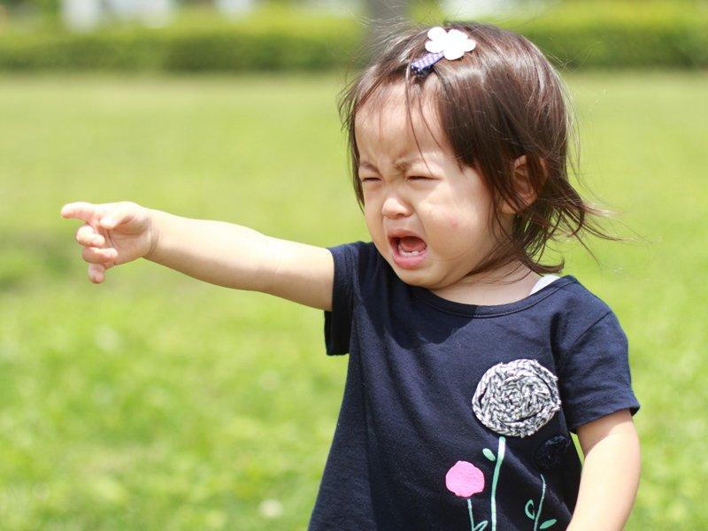 孩子吵鬧爸媽別煩心,先同理孩子的情緒