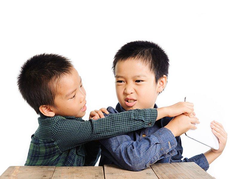 【讀者投稿】孩子被打時,該不該要他打回去?