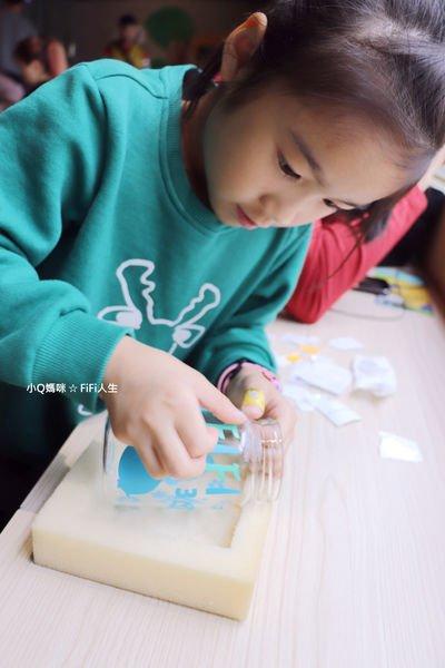 宜蘭兒童DIY大風吹。自己設計噴砂玻璃杯帶回家