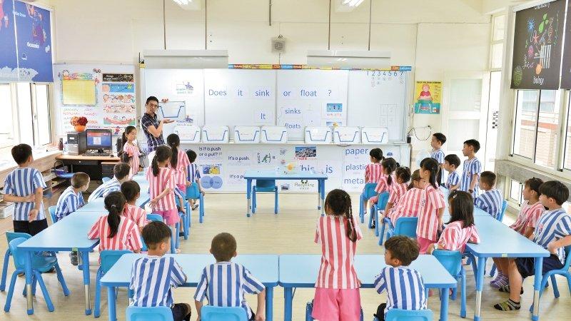 高雄市七賢國小|雙語課動手操作 不靠背誦學會英文