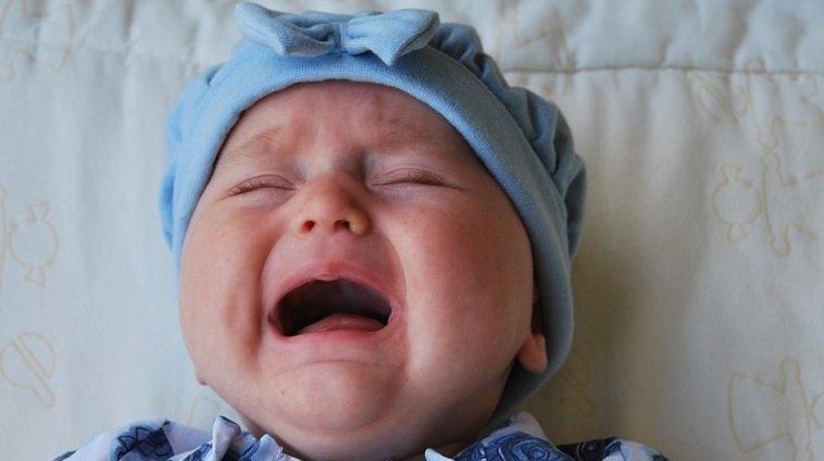 寶寶經常在半夜哭鬧,該怎麼辦?