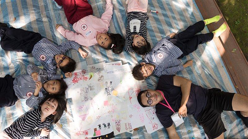 2019教育創新100|435 藝術培養皿:在大樹下,帶孩子追尋藝術的線索