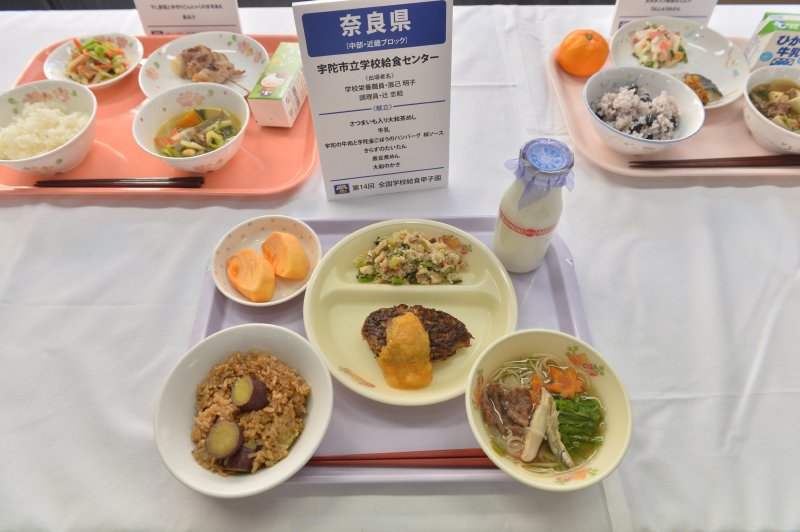 一睹7所全日本最強的校園營養午餐菜色