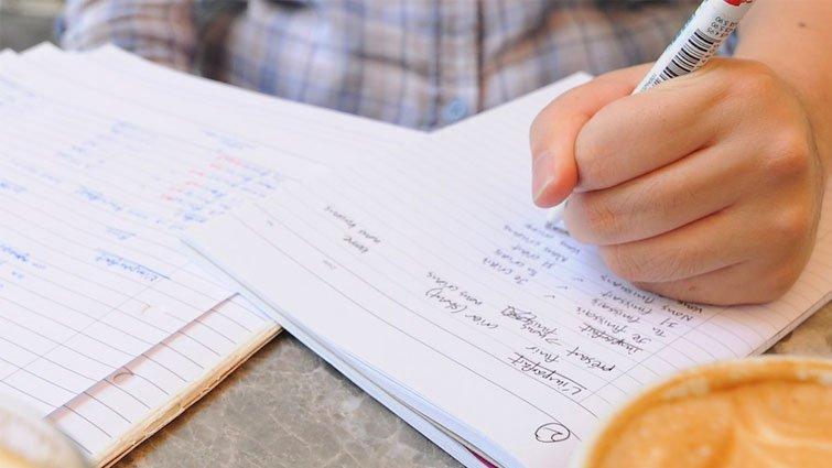 新鮮事/別出手幫孩子寫作業