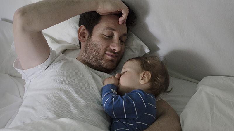 育兒不是媽媽專利:瑞典爸比與台灣爸比的育兒群像