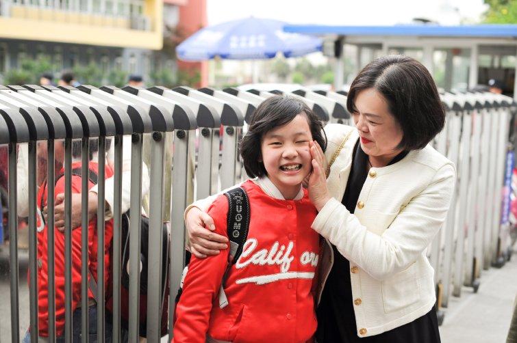 家庭故事》 十二歲私小學生:未來不一定要出國,因為中國已經夠強