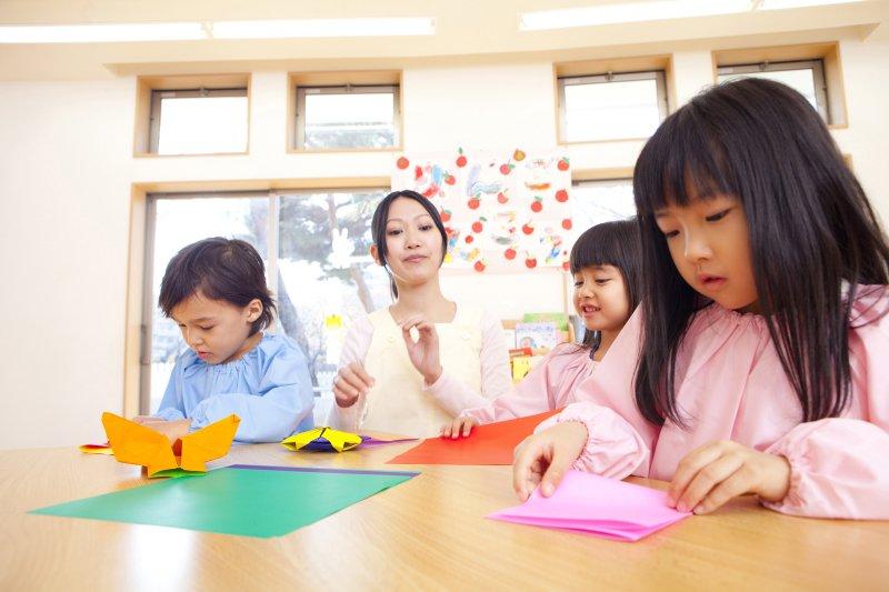 用膠帶、餐椅限制幼童行動卻無法可管?監察院對衛福部、教育部提出糾正
