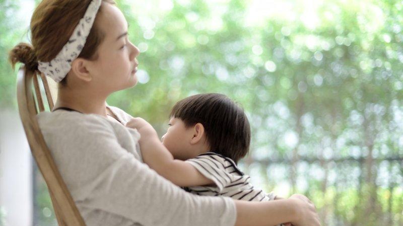 母乳二三事:產後多久會有奶?什麼是引奶陣?