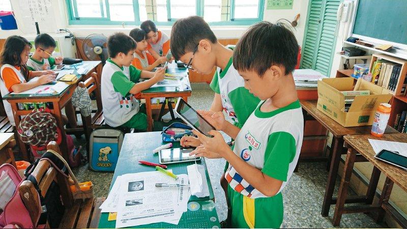 台中大元國小「老蘇老師」:不一樣的學習單  好玩的媒體識讀課