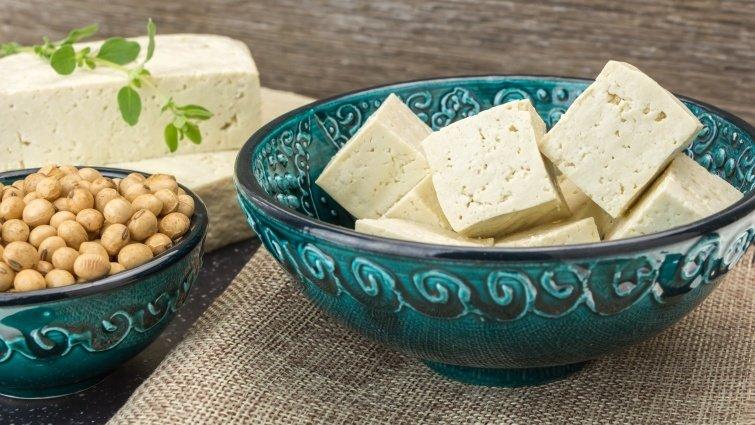 腰痛、抽筋—喝魚頭豆腐湯補鈣