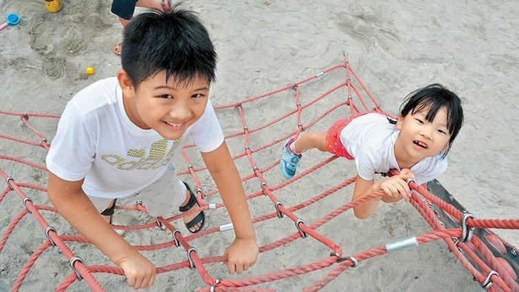 台北碧湖公園:共融式遊具,身障孩子也能玩