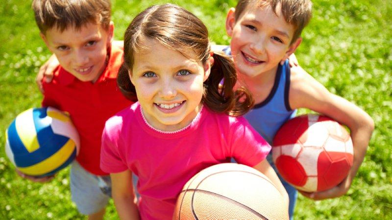 帶孩子運動,培養團隊精神和紀律精神