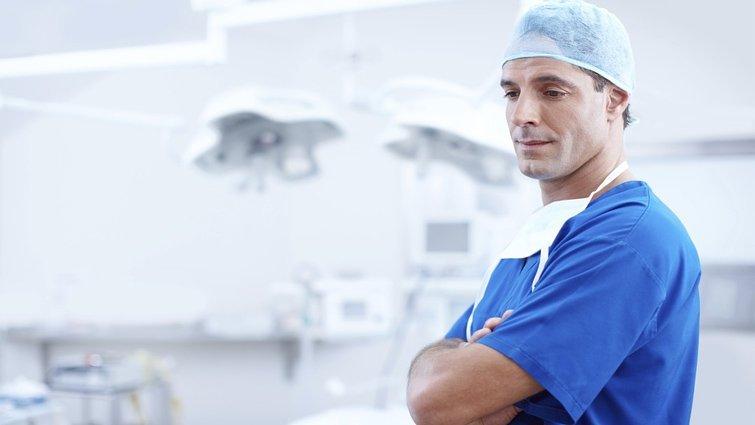 治療,是拯救病患還是拯救家屬?