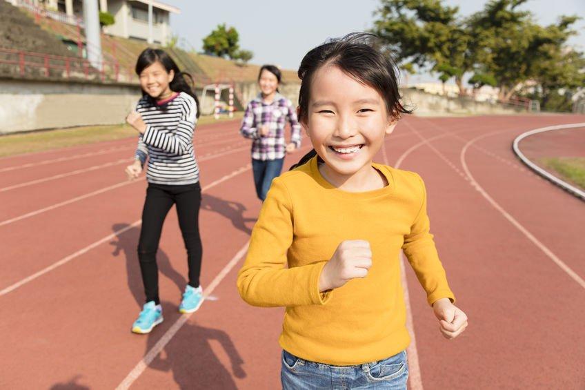 運動不只讓孩子放電、好睡,更是長高關鍵之一