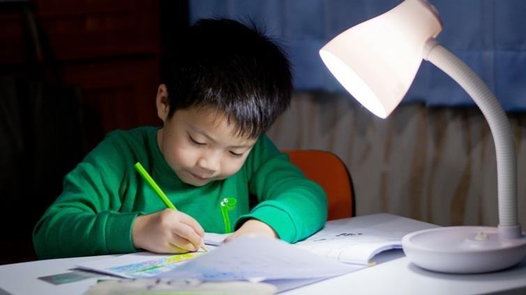 孩子課業負擔太重? 美國部分學區禁假日出家庭作業