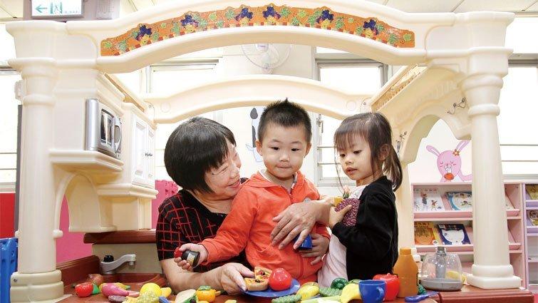玩具王國:淡水竹圍分館兒童室 祖孫的遊戲天堂