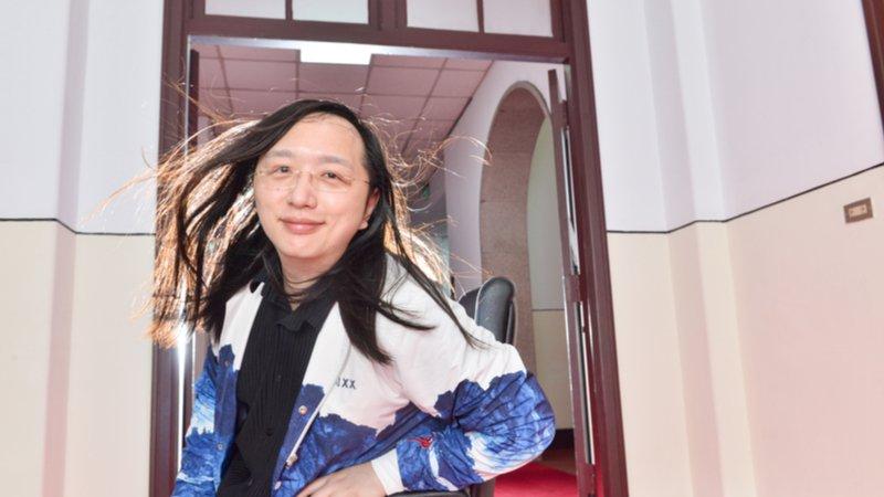唐鳳:#TaiwanCanHelp 這個梗,我鋪好久!