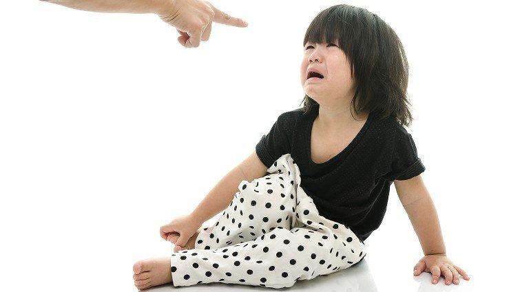 台師大研究:家長管教愈嚴格,孩子語言發展愈緩慢
