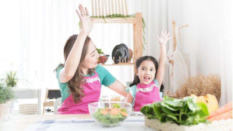如何讓孩子吃得更健康? 陪他一起看廚藝秀吧!