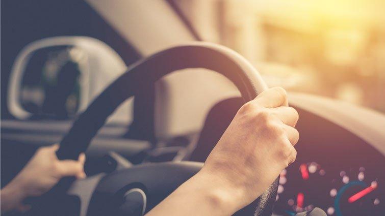 駕馭不了的分心:一個小實驗,告訴你為什麼千萬別邊開車邊滑手機