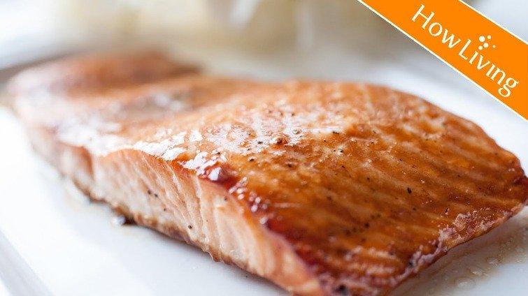 3分鐘懶人快速料理──焦糖炙烤鮭魚排