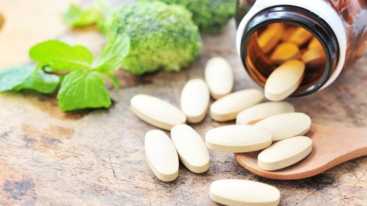 劉秀枝:長輩疑似失智,4原則檢視日常用藥影響