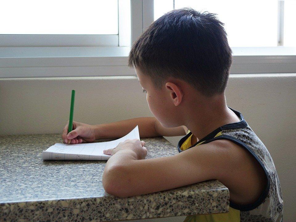 孩子寫字老是寫錯?教好幾遍還是少一筆、漏一劃?其實問題出在這...