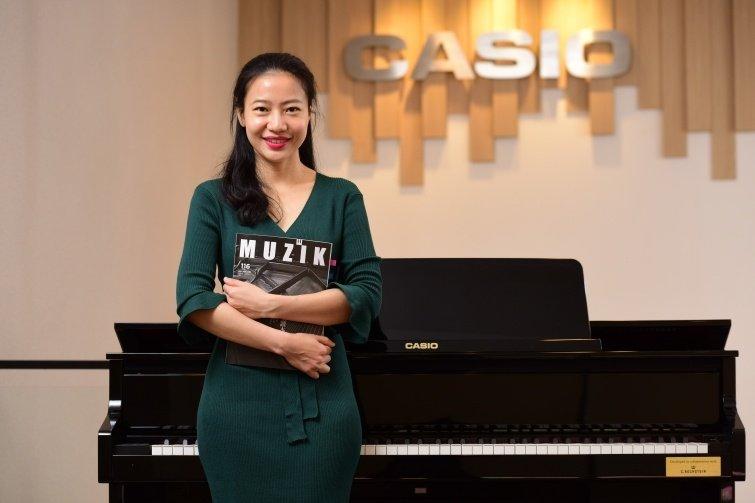 琴鍵飛舞自信、譜寫電影情節,美女鋼琴家謝世嫻的跨界人生