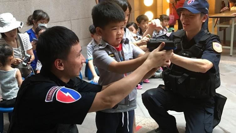 小小波麗士,警察任務樣樣行-【小小職人體驗全搜集】