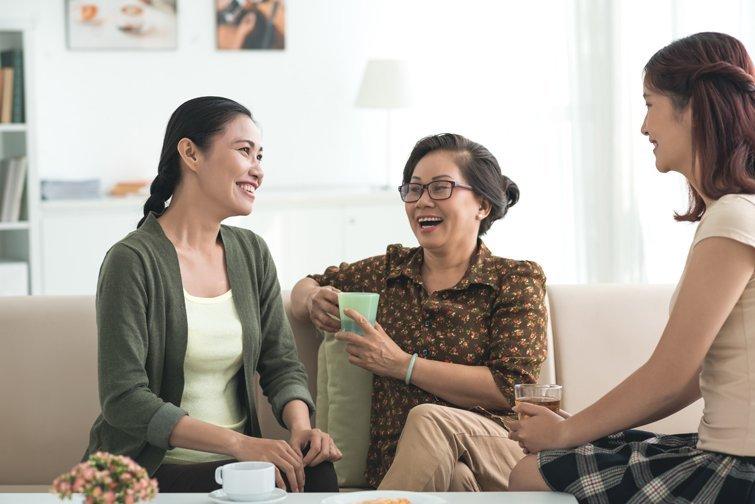 美國32%成年子女與父母同住 創歷史新高